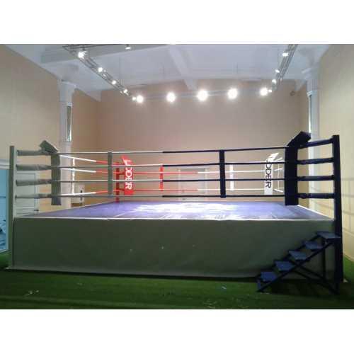Ринг боксерский на помосте 7.5*7.5м. V -0.5 М